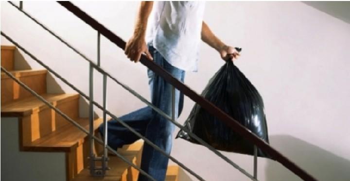 Примета почему нельзя вечером выносить мусор