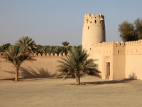 ОАЭ. Абу-Даби. Al Jahili fort in Al Ain, Emirate of Abu Dhabi. Фото Philip Lange - shutterstock