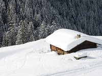 Chalet in the winter. Фото beatrice preve - Depositphotos