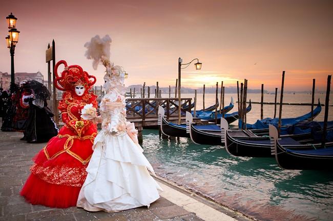 Блог Павла Аксенова. Карнавал в Венеции. Фото DeborahKolb - Depositphotos