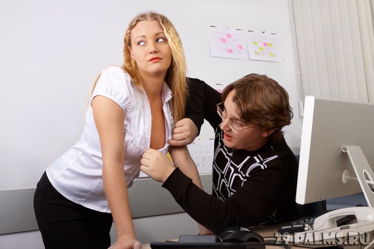 Трахнул прямо на рабочем месте, Порно в офисе. Секс с секретаршей 2 фотография