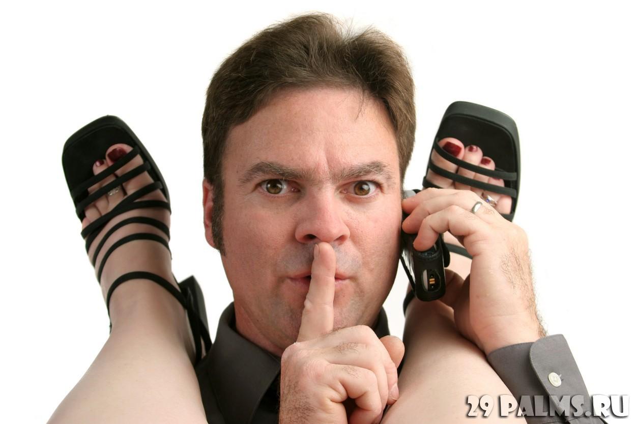 Пристает начальник к домработнице, Хозяин пристает к молодой няне - порно видео онлайн 2 фотография