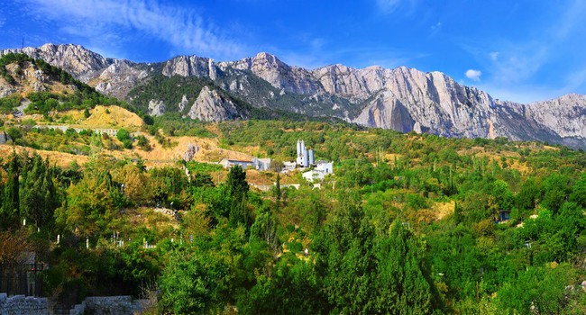 Крым. Crimea mountains Ai-Petri landscape. Фото Ivantagan - Depositphotos