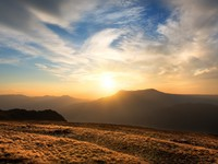 Крым. Sunset over the mountain Chatyrdag in Crimea.  Фото Givaga - Depositphotos
