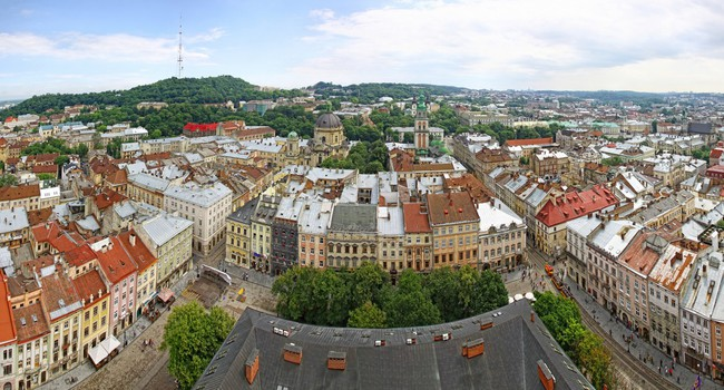 Блог Павла Аксенова. Ностальгия. Украина. Panoramic view of Market Square and Old town of Lviv. Фото katatonia82 - Depositphotos