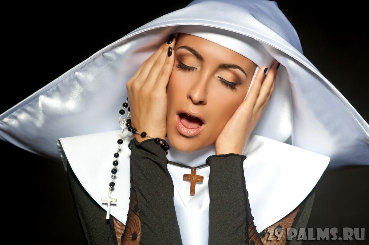 Секс монашками в россия 10 фотография
