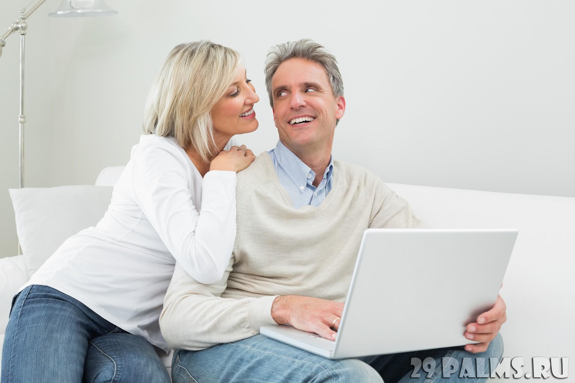 Приходит жена домой а муж в ванной трусы стирает 4 фотография
