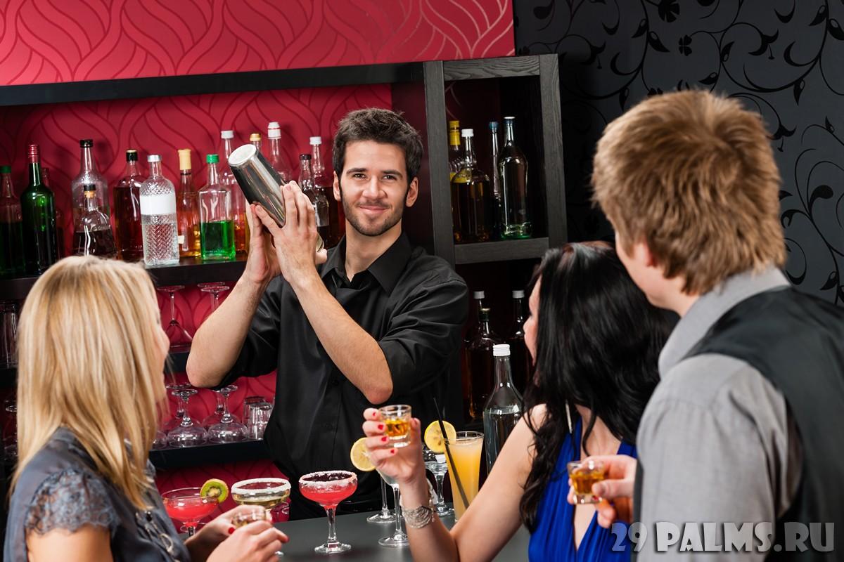 Смотреть что женщины делают в баре 8 фотография