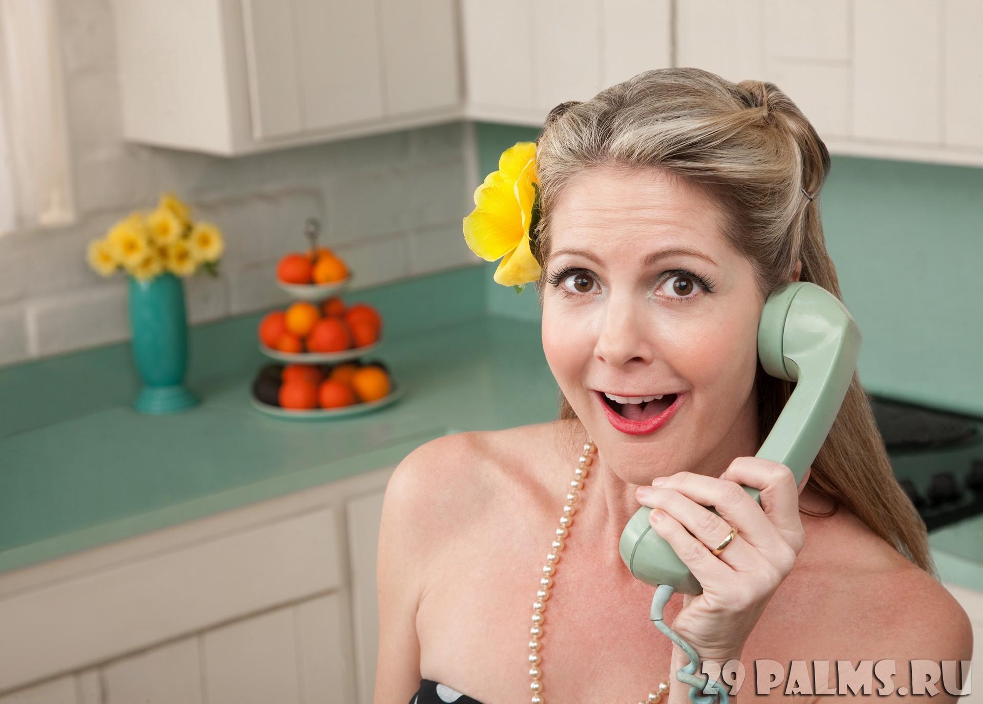 почему женщины говорят по телефону