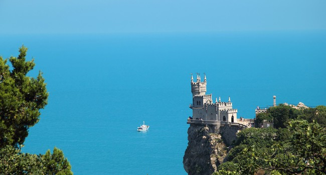 Блог Павла Аксенова. На связи Крым. Crimea, Yalta, Bird's-nest Castle. Фото nikolay_safonov - Depositphotos