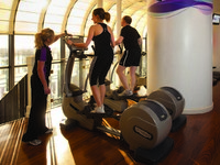 Клуб путешествий Павла АксеJumeirah Carlton Tower - The Peak Health Club _ Spa_ personal trainer and cross trainers