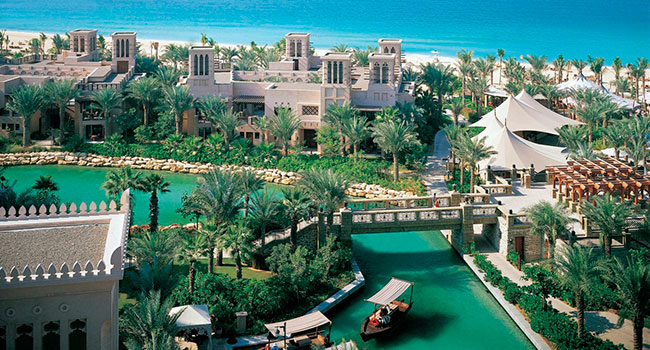 ОАЭ. Дубаи. Madinat Jumeirah. Dar Al Masyaf Hotel. Waterways