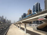 ОАЭ. Дубаи. A new metro line Sheikh Zayed Road. Фото Sophie_James - Depositphotos