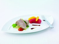 Jumeirah Emirates Towers - Due Tonni - Homemade yellow fin tuna in olive oil and tuna Bresaola