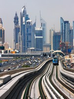 ОАЭ. Дубаи. The Dubai Metro. Фото Sophie_James - Depositphotos