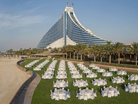 Блог Павла Аксенова. ОАЭ. Дубай. Jumeirah Beach Hotel - Events Arena - Dinner Set-up