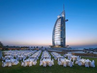 Блог Павла Аксенова. ОАЭ. Дубай.Jumeirah Beach Hotel - Events Arena - Dinner Set-up - Night Shot