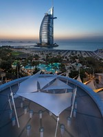 Блог Павла Аксенова. ОАЭ. Дубай. Jumeirah Beach Hotel - Sundeck - Cocktail Set-up - Aerial View