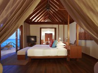 Блог Павла Аксенова. Anantara Dhigu Resort & Spa. Sunrise Over Water Suite bedroom