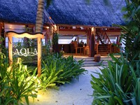 Блог Павла Аксенова. Anantara Dhigu Resort & Spa. Aquar Bar Enterance