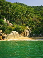 Мексика. Beautiful beach on tropical Pacific coast of Mexico. Elena Elisseeva - Depositphotos