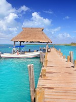 Мексика. Contoy island Mexico wood pier nature reserve. Фото lunamarina - Depositphotos