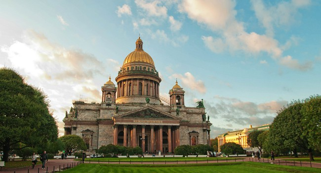 Блог Павла Аксенова. Россия. Санкт-Петербург. Saint Isaac cathedral in St Petersburg, Russia. Фото Nikonenko - Depositphotos