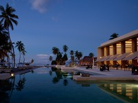 Клуб Павла Аксенова. Мальдивы. Alila Villas Hadahaa - Main pool & Relish
