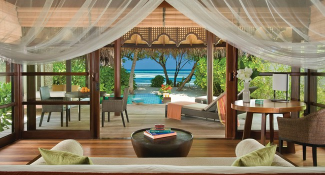 Мальдивы. Four Seasons Resort Maldives at Kuda Huraa. Beach bungalow with pool