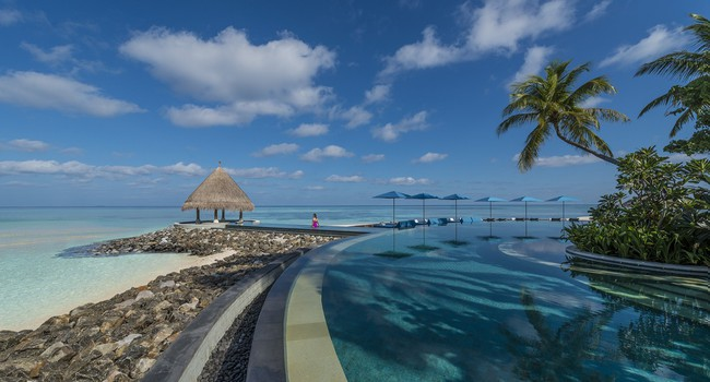 Мальдивы. Four Seasons Resort Maldives at Kuda Huraa. Serenity Pool
