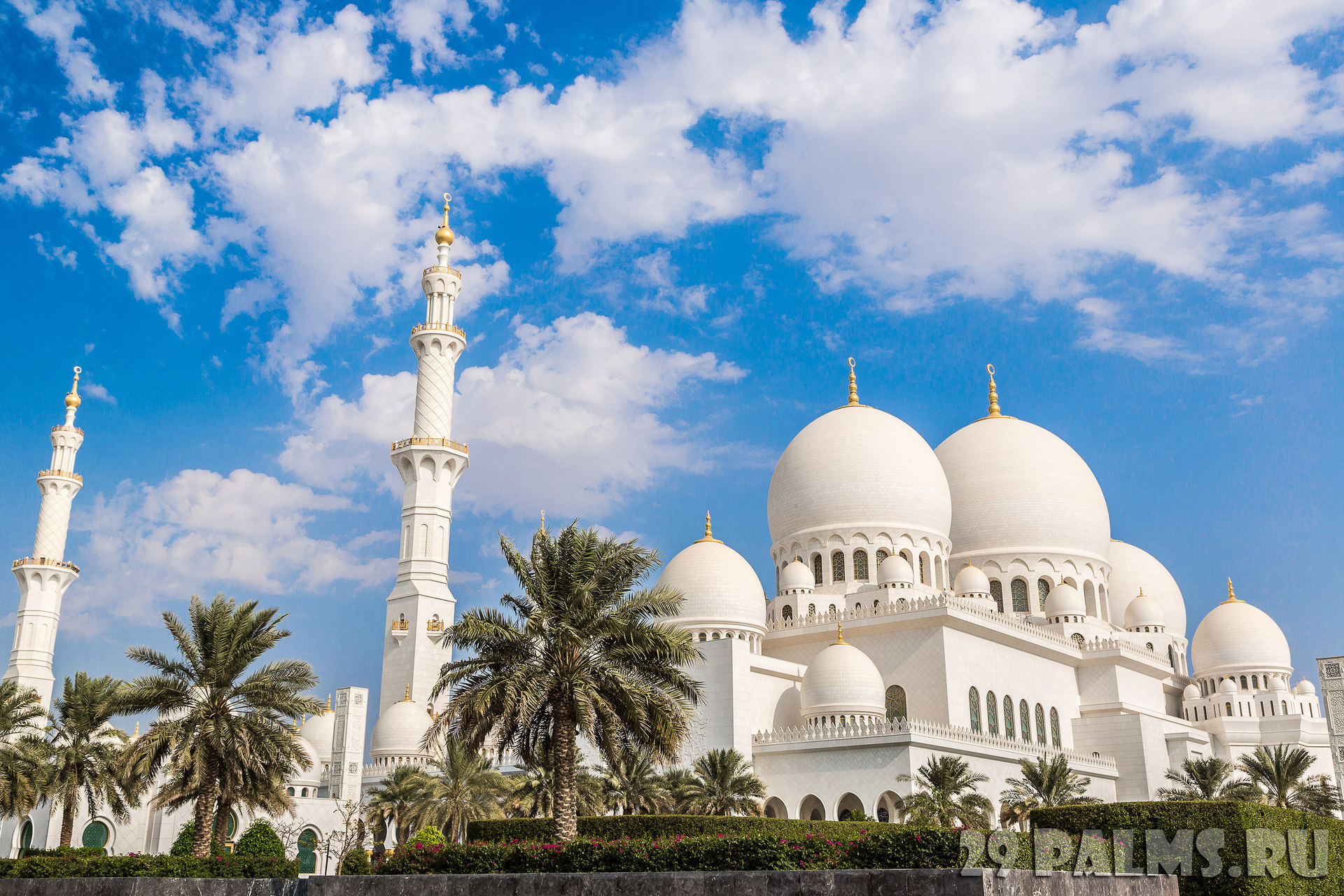 Клуб путешествий Павла Аксенова. ОАЭ. Абу-Даби. Мечеть шейха Зайда. Sheikh Zayed Mosque. Фото bloodua - Depositphotos