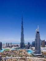 ОАЭ. Дубай. Даунтаун. Downtown Dubai with the Burj Khalifa and Dubai Fountain. Фото Sophie_James - Depositphotos