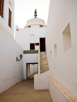 ОАЭ. Абу-Даби. Abu Dhabi alley in fort. Фото Steven Heap - Depositphotos