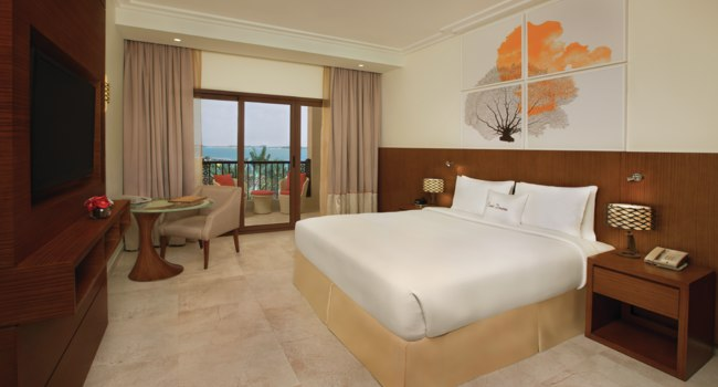 Клуб путешествий Павла Аксенова. ОАЭ. Рас-эль-Хайма. Double Tree Marjan Island King accessible guest room