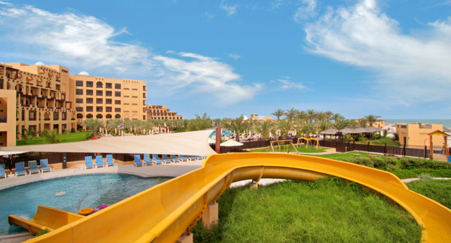 Клуб путешествий Павла Аксенова. ОАЭ. Рас-эль-Хайма. Hilton Ras Al Khaimah Resort & Spa. Kids Pool and Slide