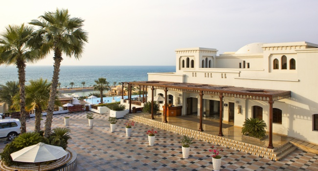 Клуб путешествий Павла Аксенова. ОАЭ. Рас-эль-Хайма. The Cove Rotana Resort Ras Al Khaimah. The Main Entrance