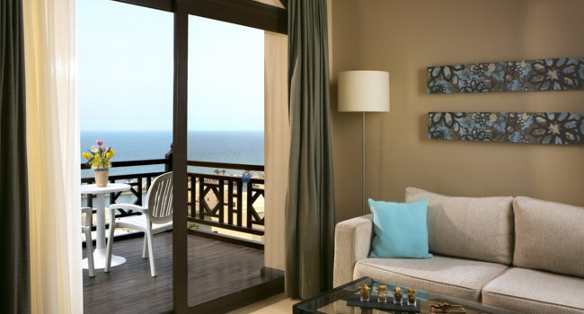 Клуб путешествий Павла Аксенова. ОАЭ. Рас-эль-Хайма. The Cove Rotana Resort Ras Al Khaimah. The Premium Room Living
