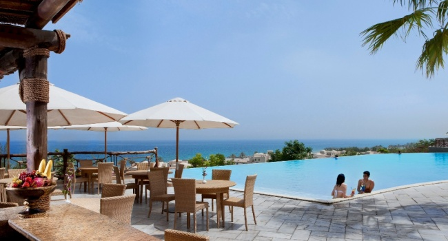 Клуб путешествий Павла Аксенова. ОАЭ. Рас-эль-Хайма. The Cove Rotana Resort Ras Al Khaimah. Sunset Pool Bar