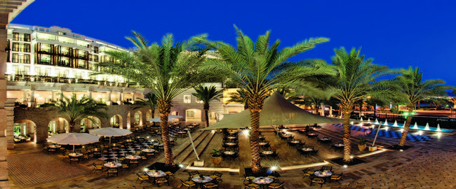 Movenpick Resort & Residence Aqaba 5. PALM COURT TERRACE 2  - MP AQABA