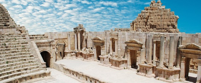 Иордания. Джераш. Ancient Jerash. Ruins of the Greco-Roman city of Gera at Jordan. Depositphotos