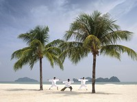 Клуб путешествий Павла Аксенова. Малайзия. Лангкави. Four Seasons Resort Langkawi. Yoga on the beach