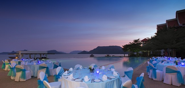 Малайзия. О. Лангкави. The Westin Langkawi. Special Dining - Poolside Dinner