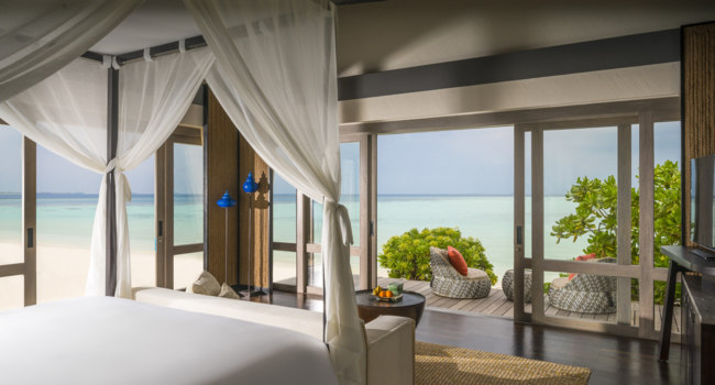 Клуб путешествий Павла Аксенова. Private Island Maldives at Voavah. Three-bedroom Beach Villa – Bedroom