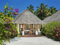 Клуб путешествий Павла Аксенова. Sheraton Maldives Full Moon Resorts&Spa. Island Cottage - Terrace