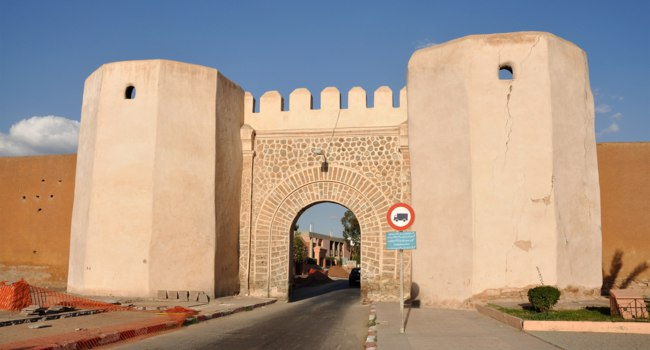 Клуб путешествий Павла Аксенова. Марокко. Марракеш (Marrakesh). Gate into the old town of Marrakech. Фото Philip Lange - Depositphotos