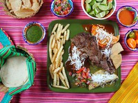 Arrachera beef flank steak Mexican dish chili sauce. Фото TONO BALAGUER SL - Depositphotos