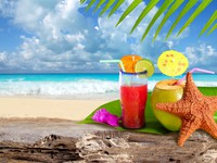 Coconut cocktail starfish tropical beach. Фото TONO BALAGUER SL - Depositphotos