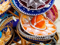 Traditional colorful mexican sombrero hats. Фото shalamov - Depositphotos