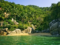 Beautiful beach on tropical Pacific coast of Mexico. Фото Elena Elisseeva - Depositphotos