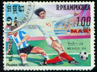 MEXICO - CIRCA 1985. A Stamp printed in the MEXICO shows a two football playersship. Фото Oxana Lebedeva - Depositphotos